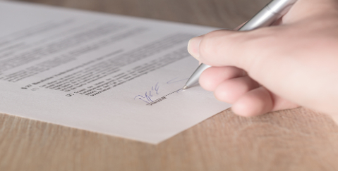 Does Your Email Signature Put You at Risk of Signing a Contract?