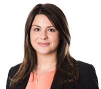 Rowena Backhouse - Commercial Property Solicitor & Associate at VWV law firm's Watford office